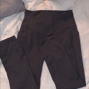Gray Lululemon leggings with pockets!